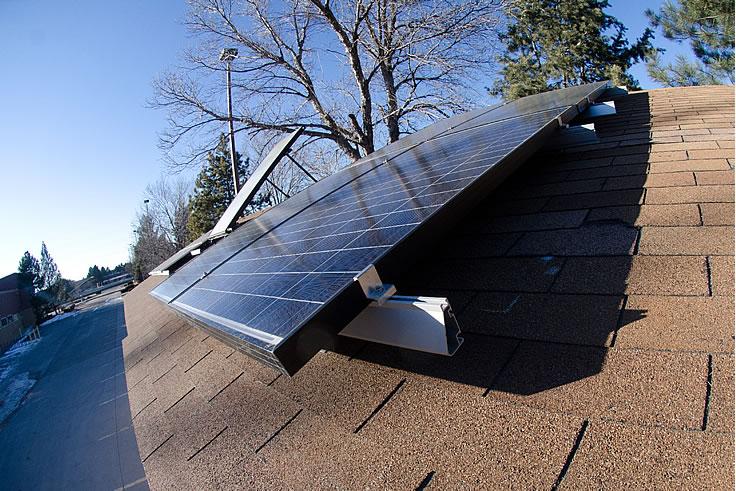 太陽光パネルを設置すべきか?